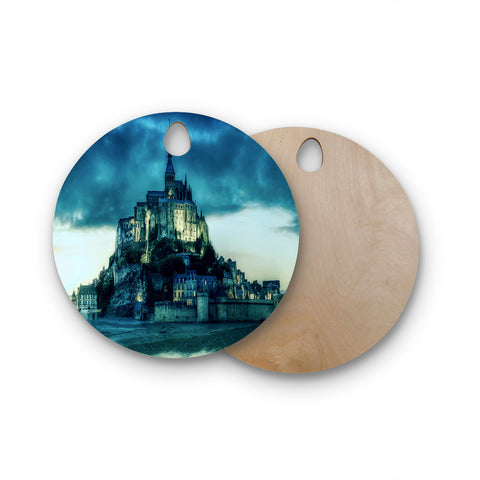 "888 Design ""Haunted Castle"" Blue Fantasy Round Wooden Cutting Board"