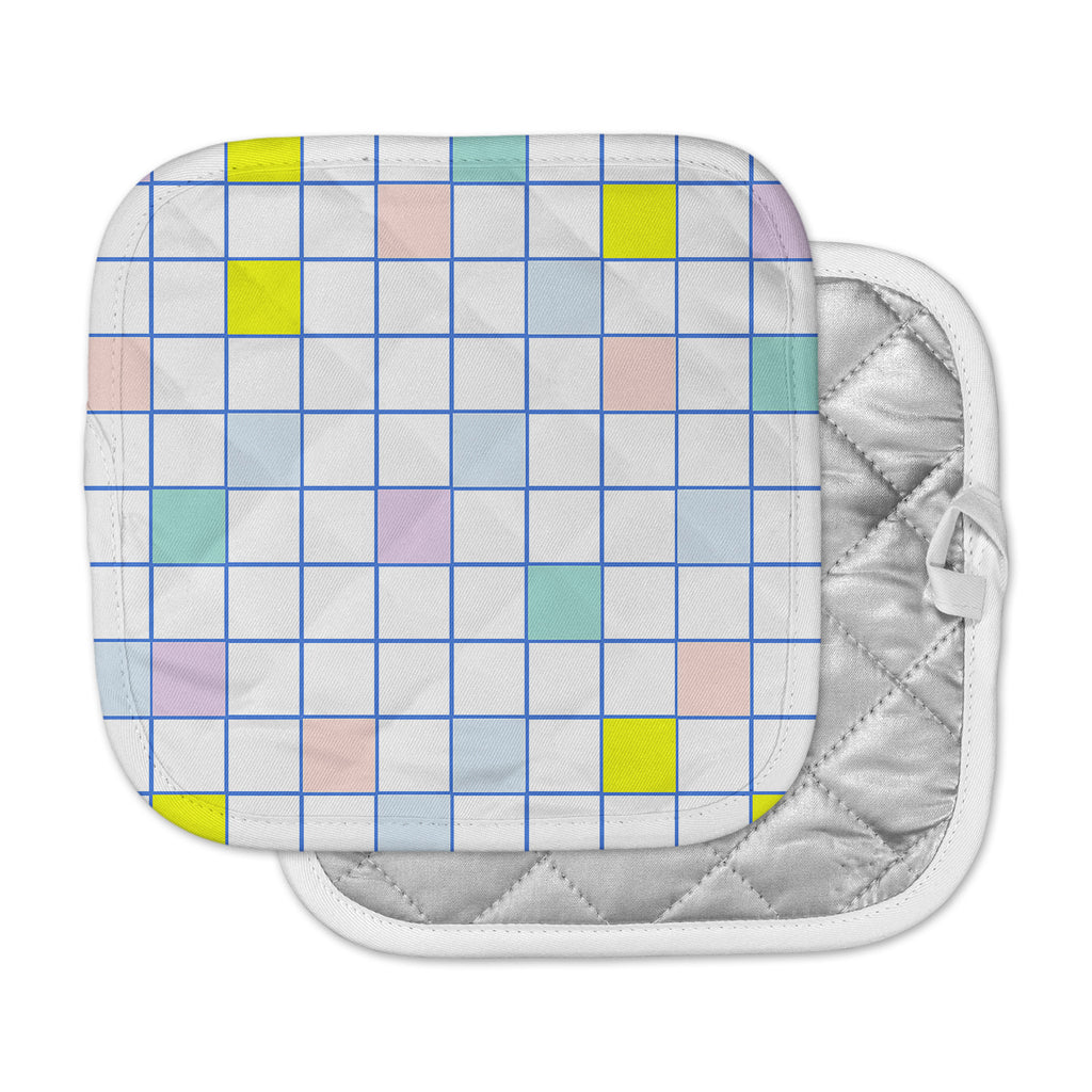 "Vasare Nar ""Pastel Windowpane Grid"" Multicolor White Pot Holder"