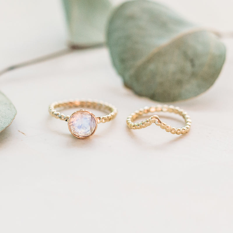 Moonstone Ring in 14k Gold