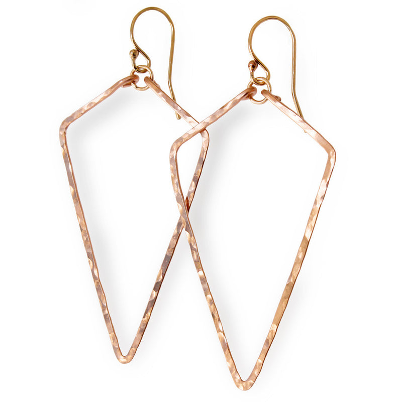 gold arrowhead earrings delicate geometric hammered earrings by delia langan jewelry