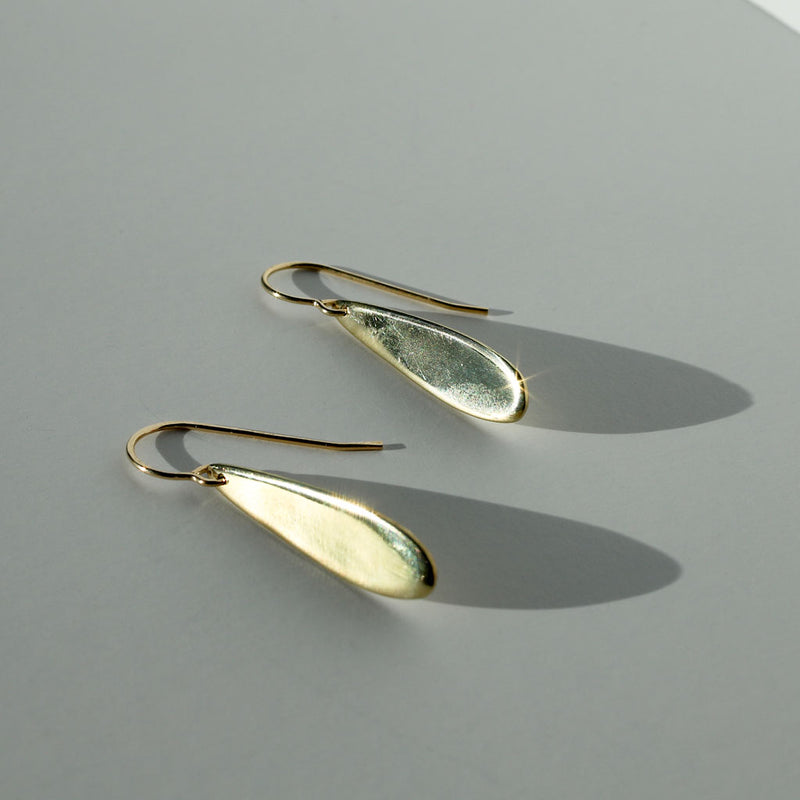 delicate gold teardrop earrings