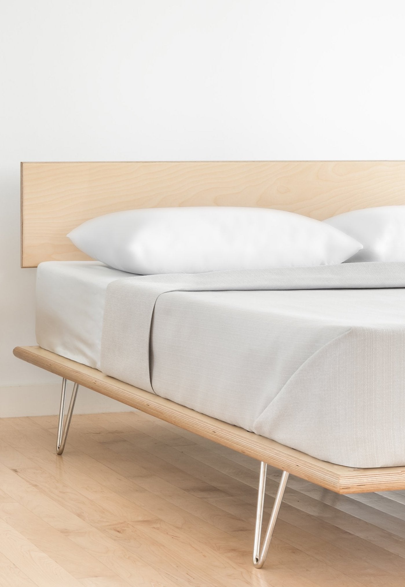 Case Study® Furniture V-Leg Bed