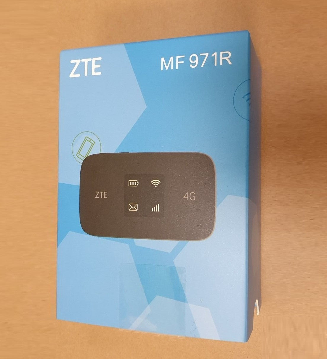 Unlocked ZTE MF971R Mobile Hotspot LTE 4G+ WiFi Router (Europe, Asia, Latin Caribbean, Middle East and Africa)