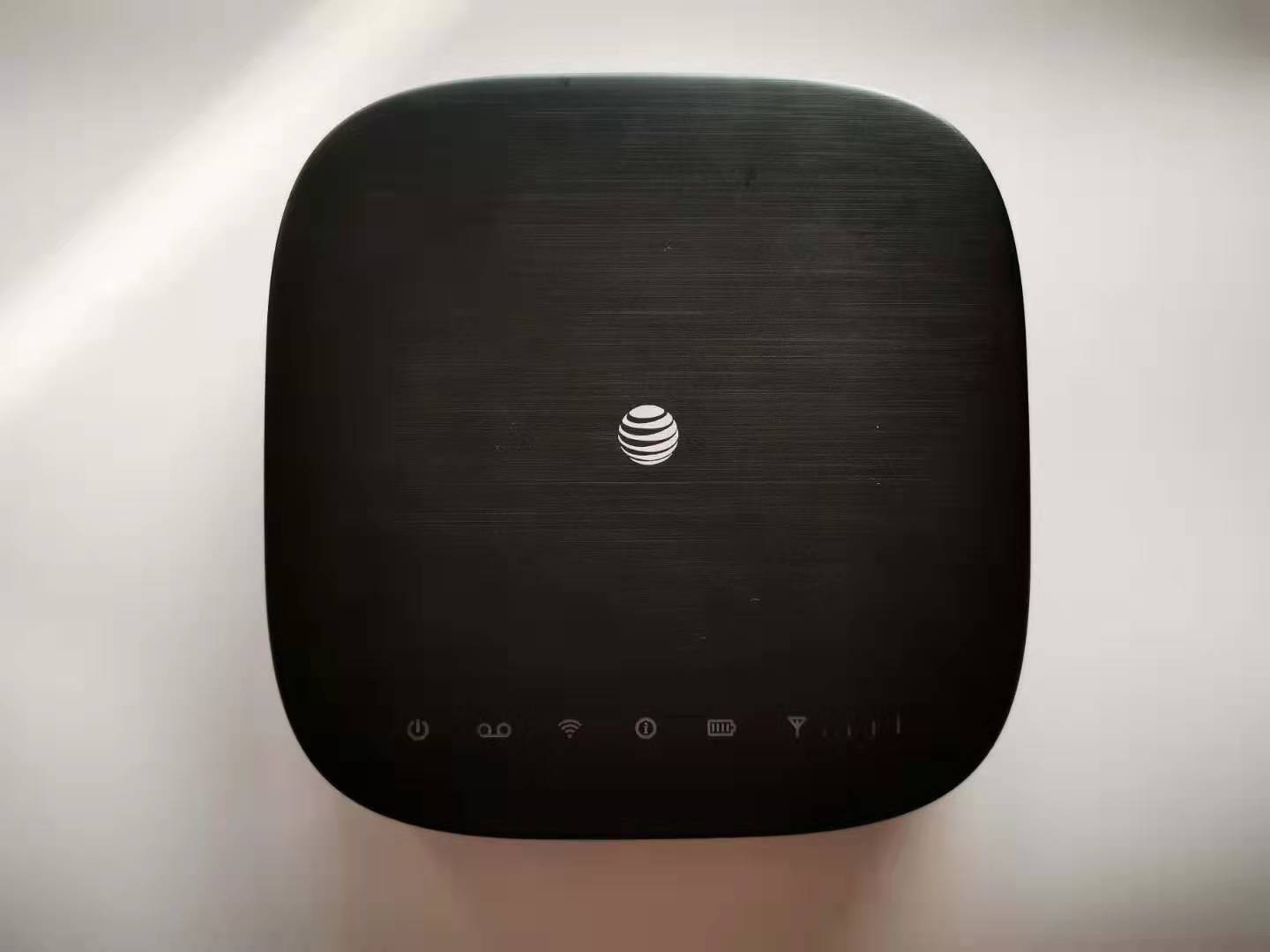 USA STOCK Unlocked AT&T Wireless Internet WiFi 4G LTE Router  IFWA-40