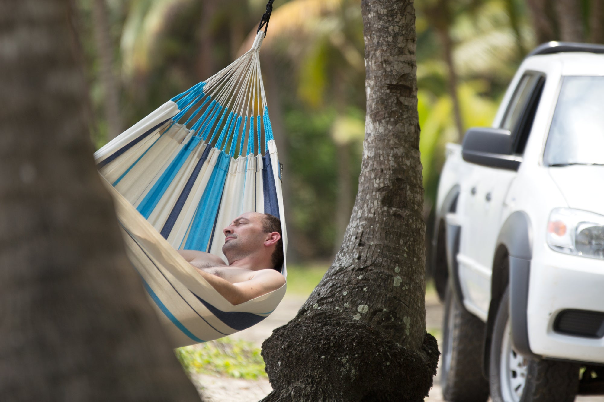 6 MAJOR HEALTH BENEFITS OF SLEEPING IN A HAMMOCK