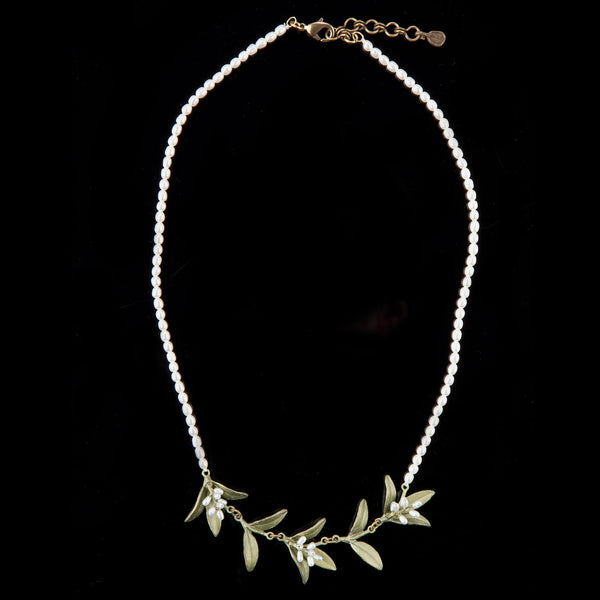 Flowering Myrtle Necklace - Pearl Contour