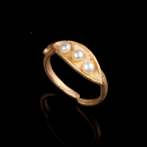 Pea Pod Triple Pearl - Ring