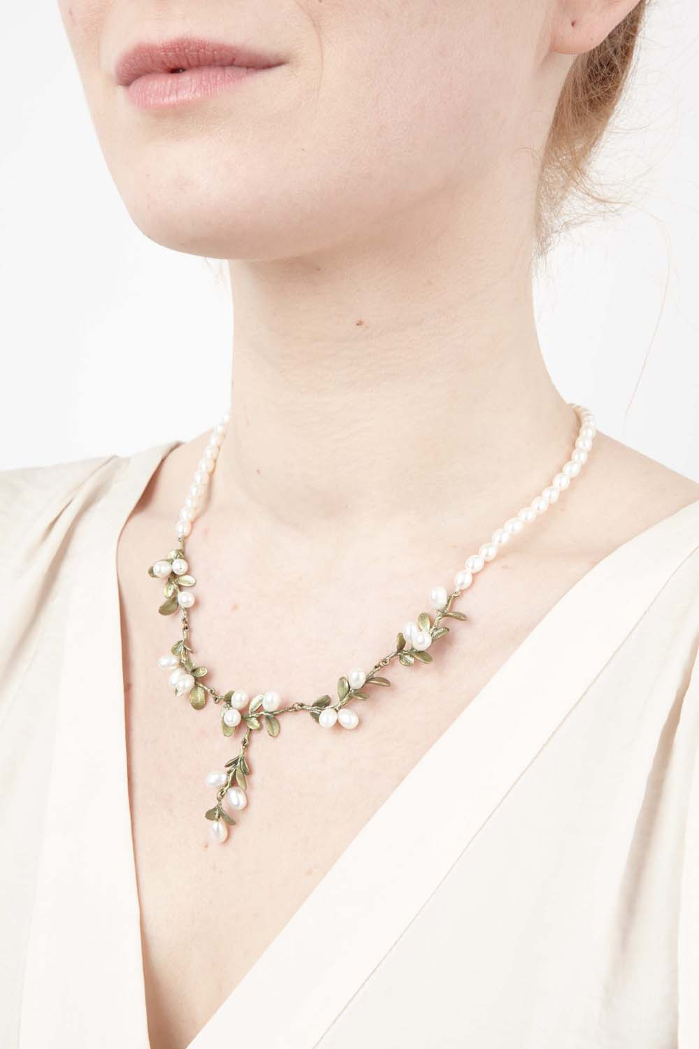 Boxwood Necklace - Pearls