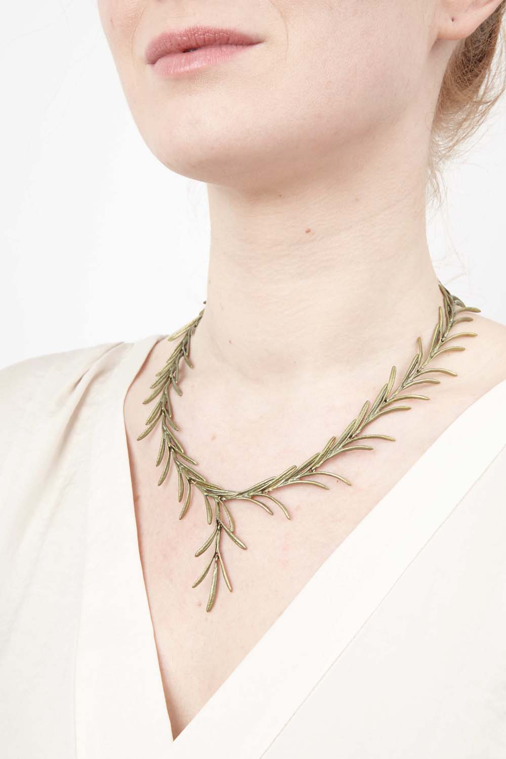 Rosemary Necklace - Spray Collar