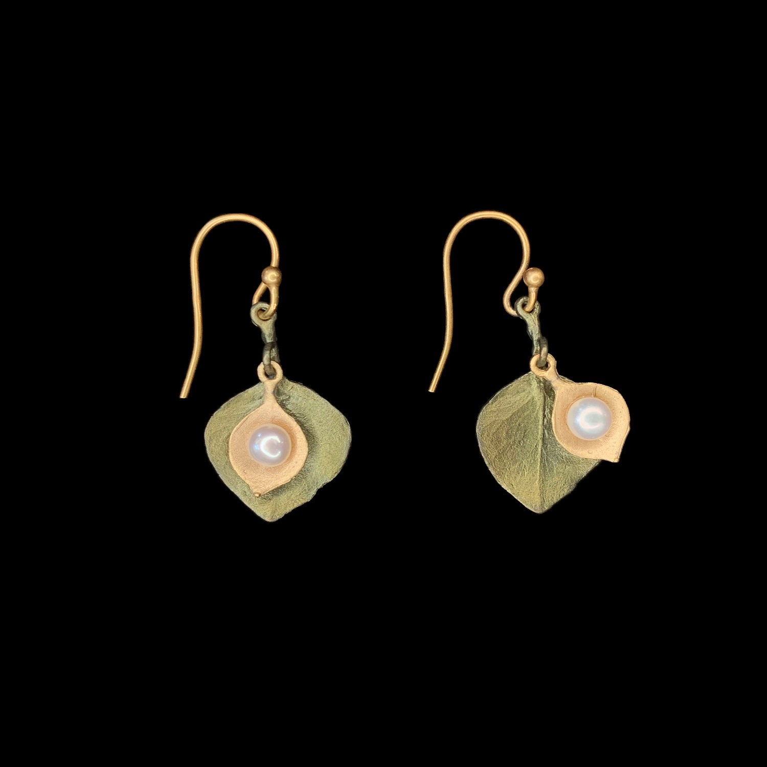 Round Leaf Eucalyptus Earrings - Pearl Wire