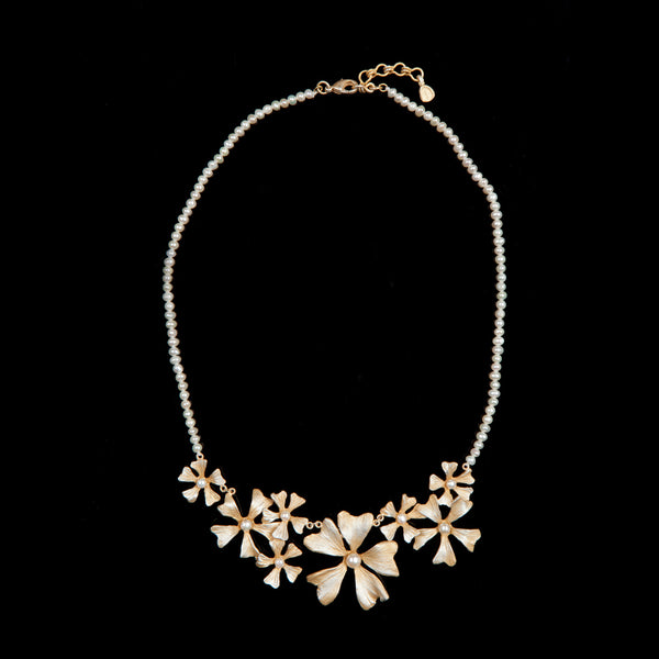 Mallow Necklace - Pearl Contour