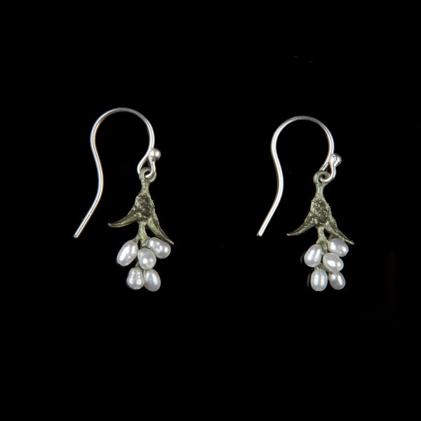 Sweet Basil Earrings - Pearl Drop