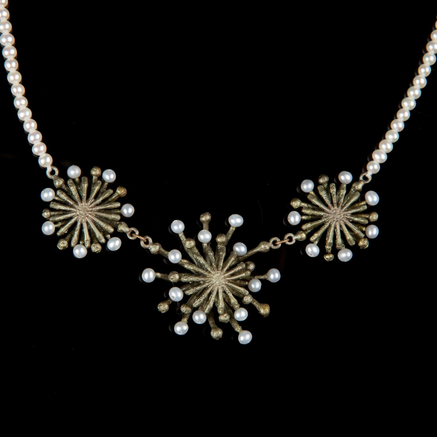 Firewheel Necklace - Pearl Contour