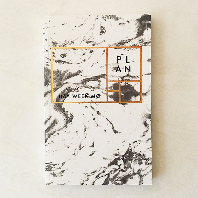White carrara year-less planner