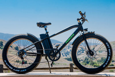 "Nakto Cruiser 26"" 300W Fat Tire Electric Bike Lifetyle"