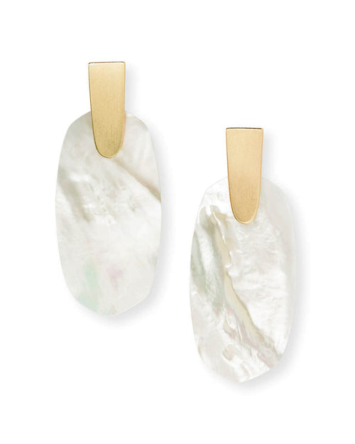 Kendra Scott Aragon Gold Drop Earrings In Ivory Pearl