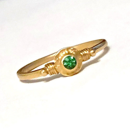 Green garnet ring, tsavorite ring, 18K tsavorite ring, 18K solid gold Tasvaorite garnet ring