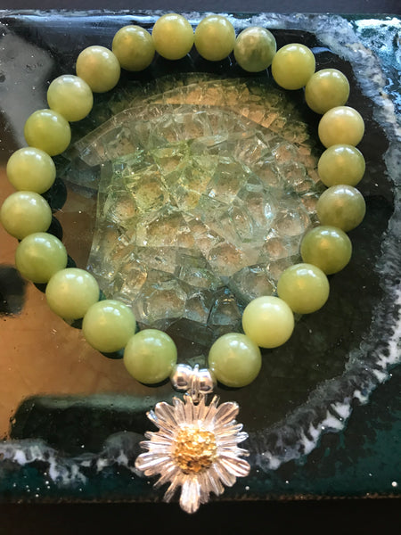 Jade Beads With Daisy Bracelet