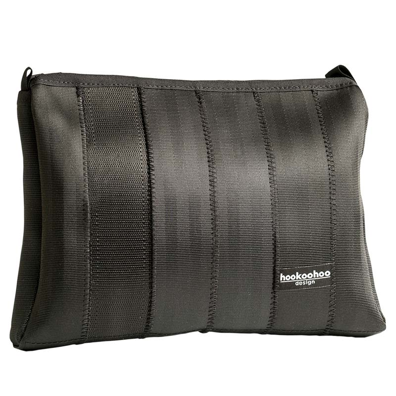 Hookoohoo design black Toiletry made of recycled car seat belts