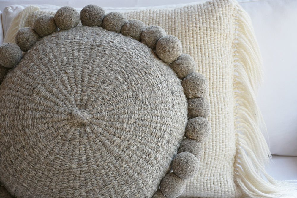 Pom Wool Round Pillow - Ivory