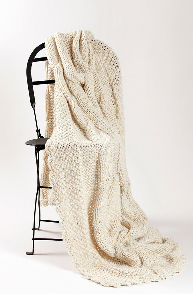 White Hand Knitted Throw Blanket - Knot | Homelosophy
