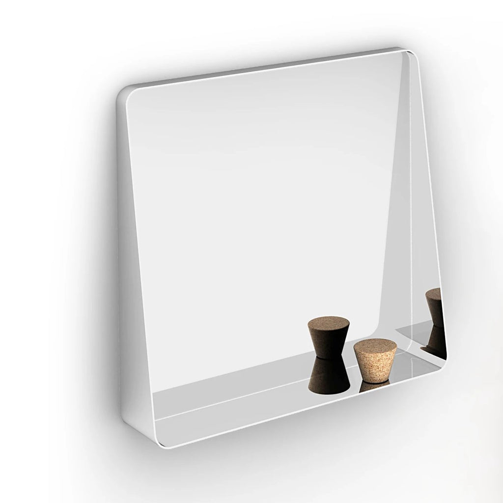 Entree Mirror, Demo