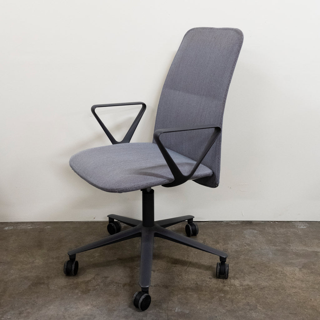 Alias Slim Conference Chair, Demo