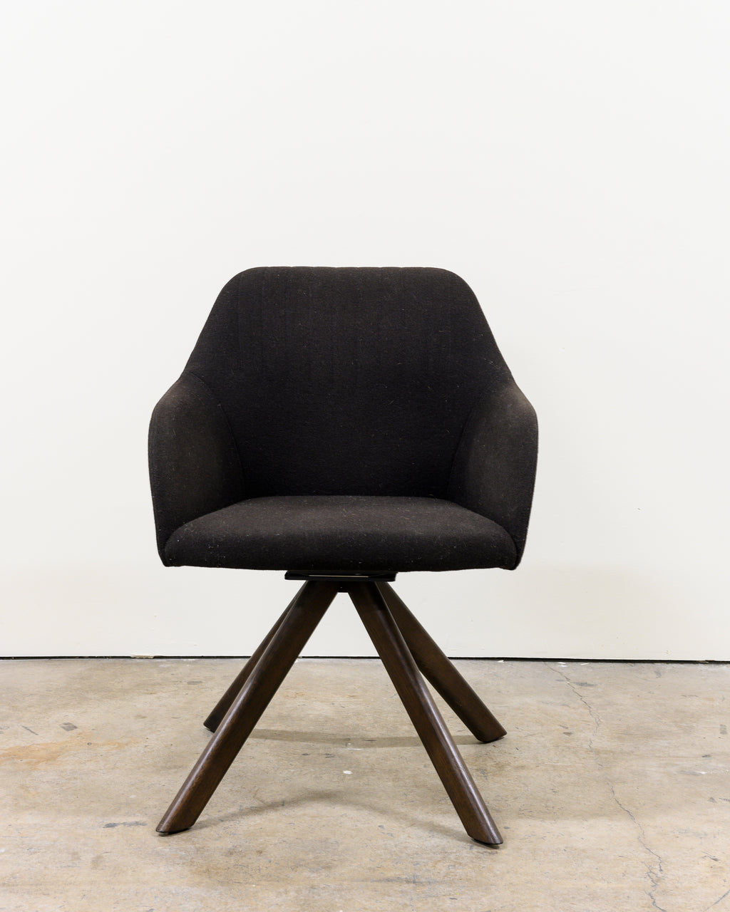 Ease Chair, Chocolate Brown, Demo