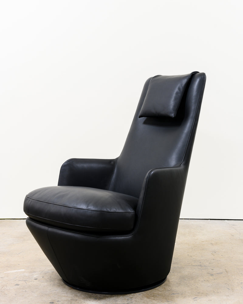 Hi Turn Black Leather Chair, Demo
