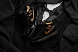 Air Jordan 1 Retro High OG 'Black & Gold'