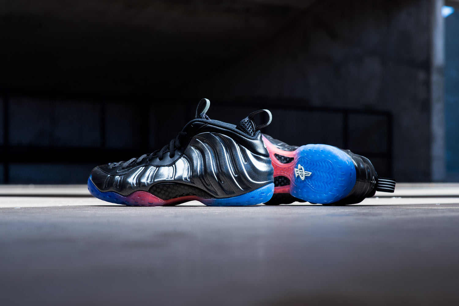 Nike Air Foamposite One Hologram MultiColor ... Scelf