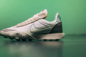 WMNS Nike Waffle Racer LX Series QS - Pale Ivory/Silver/Muslin