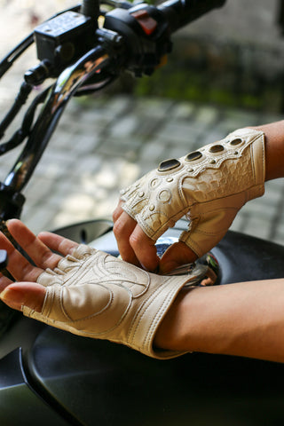 SkyRider gloves - anahata designs