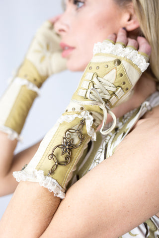 Hana Gloves - anahata designs