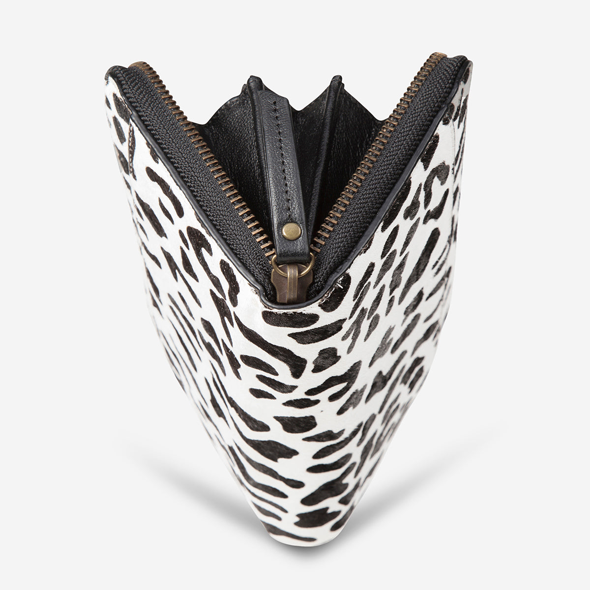 Status Anxiety Delilah Travel Wallet - Snow Leopard