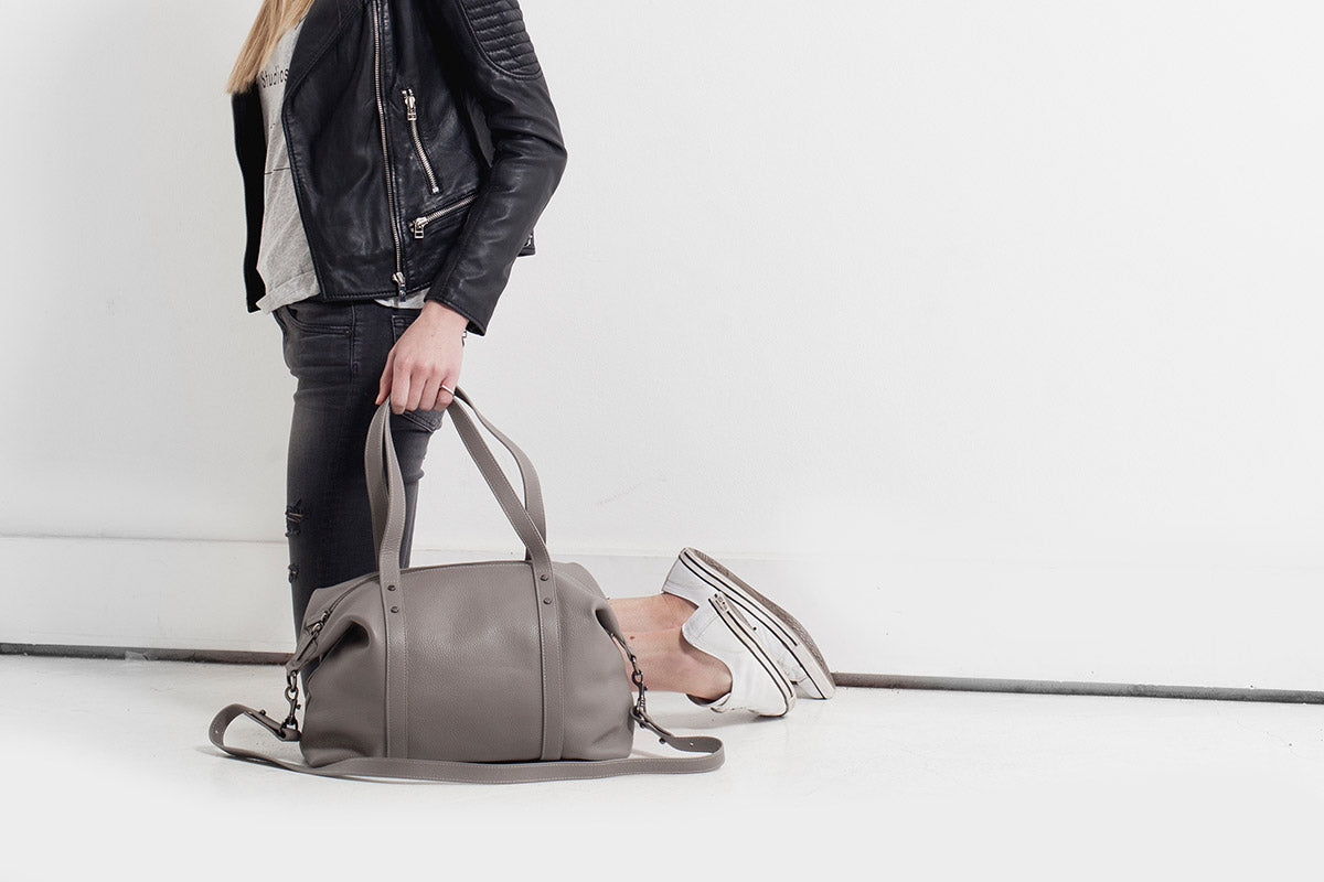Status Anxiety Love and Lies Women's Leather Bag - Light Grey