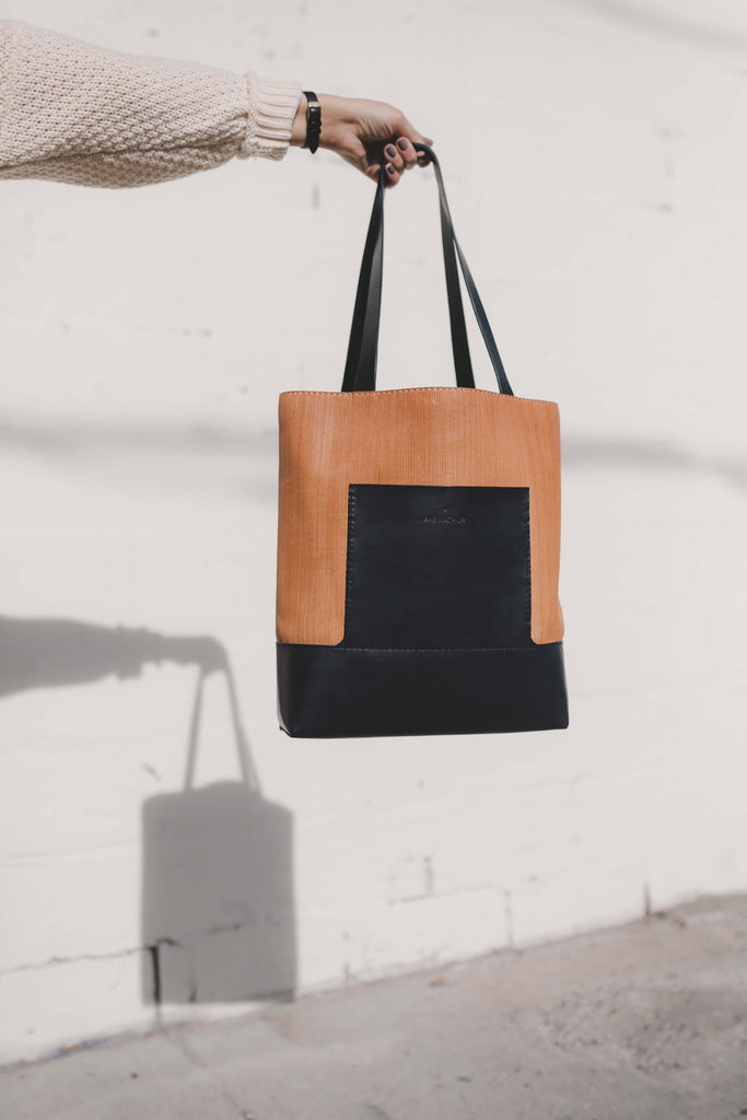 LINEAIRE TOTE