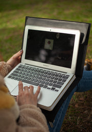 MARBLE BLACK ORTA LAPTOP
