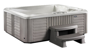 celio-hot-tub-1.jpg