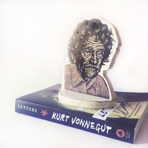 Kurt Vonnegut Bookend - Vonnegut Art - Home Decor - Literary Gift - Writer Gift - Library Art - Office Art- Author Art - Bookend - Sculpture
