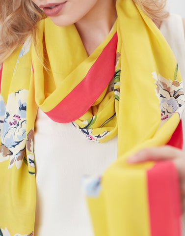 Conway Printed Scarf in Yellow Floral