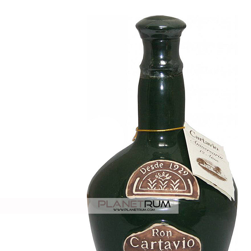 Cartavio 12 Years Aniversario Ceramic Bottle, Aged Rum, Cartavio - Planetrum