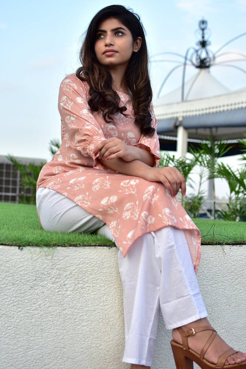 Pinky Powder- Straight kurta with pants