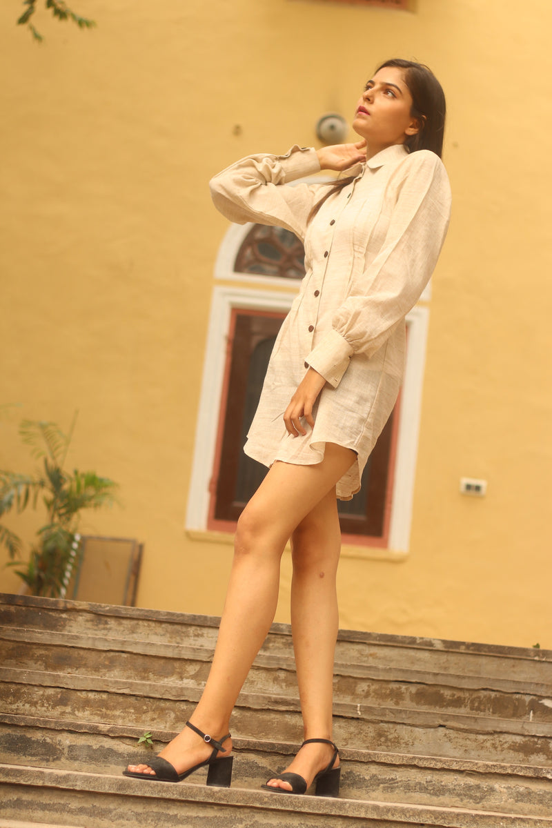 Short off white long puff sleeves dress