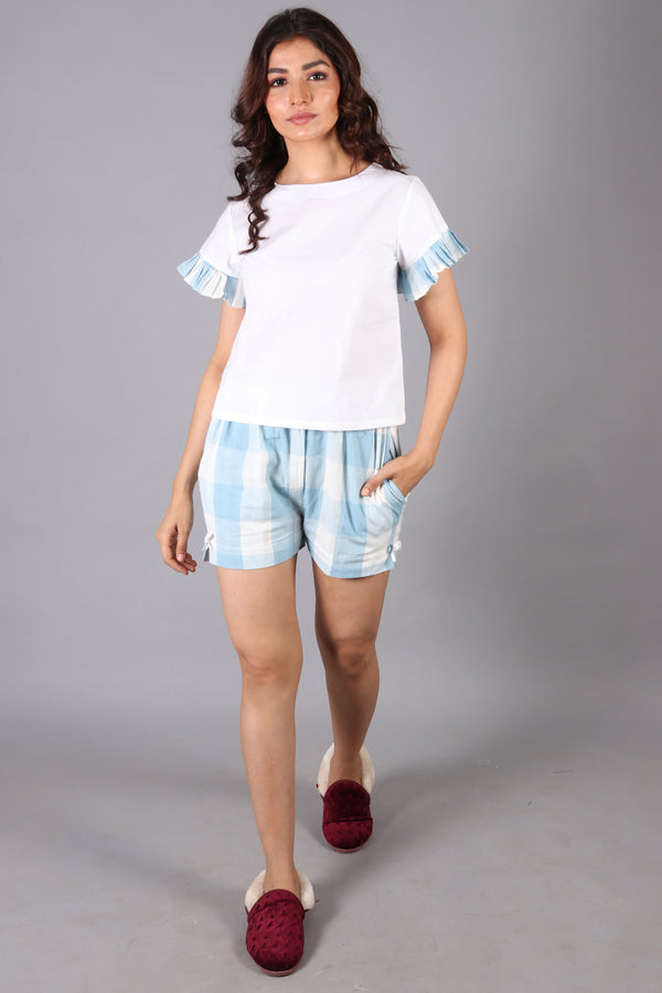 Checkered shorts color blocking with checkered pleated hem top