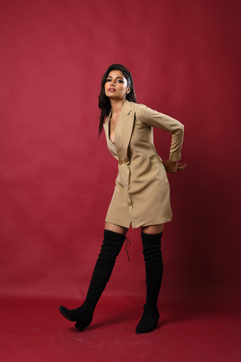 One button exaggerated collar blazer dress