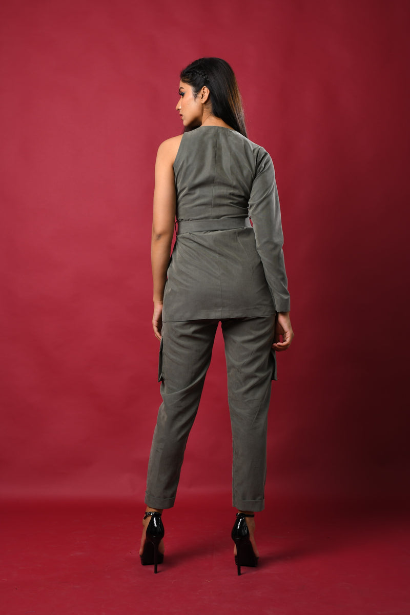 Military style blazer pants with front mi-tucks