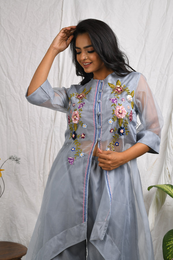 Loose fitted asymmetrical hi-low kurta with palazzo