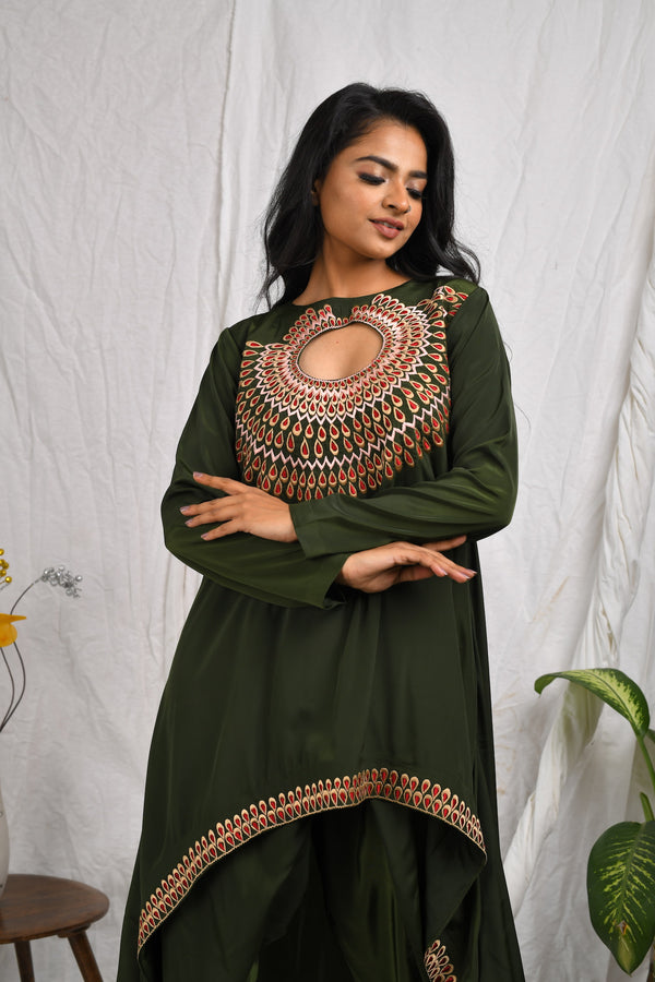 Loose fitted asymmetrical hi-low kurta with pallazzo