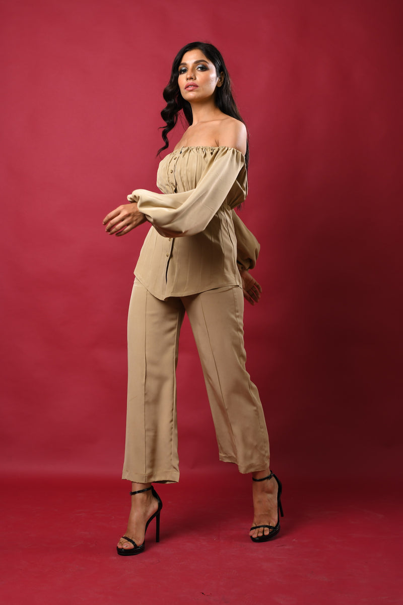 Elastic gathered bust with corset seam shirt & straight pants
